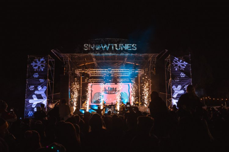 sparkular-sparkFX-specialeffects-SFX-lime-cordiale-concert-festival-AUSFX